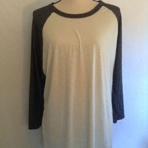 LulaRoe grey/cream soft t-shirt size 3x